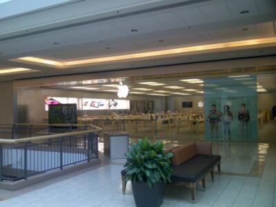 Apple Store, Masonville Mall, London, ON